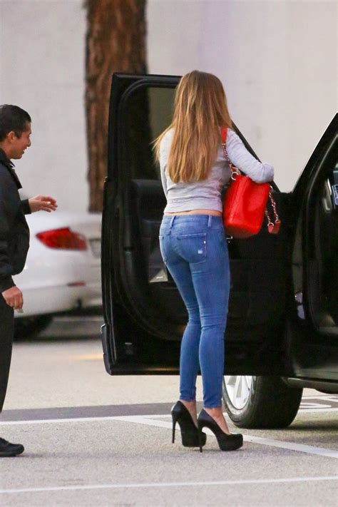 Sofia Vergara In Jeans Out And About In Beverly Hills 01