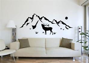 lila wohnzimmer hirsch berge als wandtattoo natur aufkleber deko