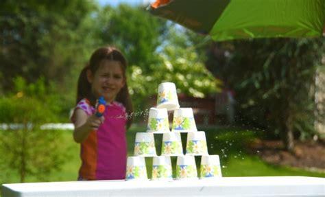 summer fun  kids water pistol target range