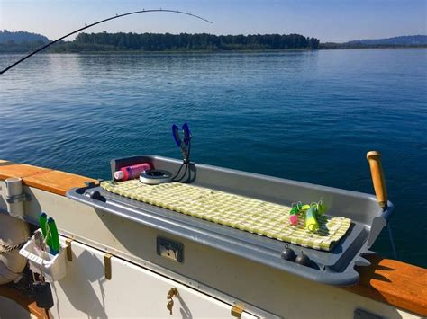 Party Boat Fishing Gear by 17 Best Ideas About Fishing Boat Accessories On Pinterest