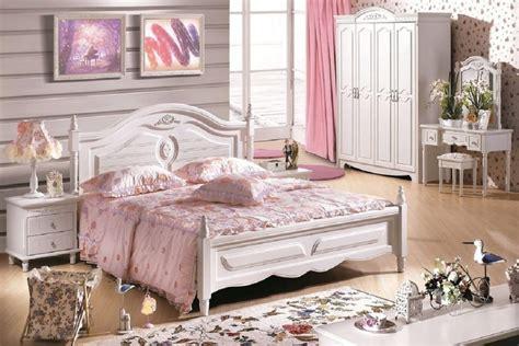 Offriamo un'ampia scelta di stili, che spaziano dal moderno al classico, proponendo sia. Camere da letto per ragazze e bambine: come arredarle