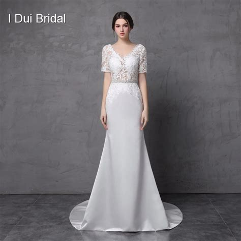 For the shape of the bodice | Sheath wedding dress lace ...