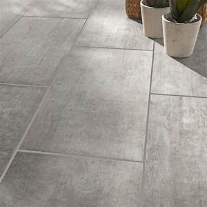 carrelage sol et mur gris effet bois saloon l30 x l60 cm With carrelage travertin leroy merlin