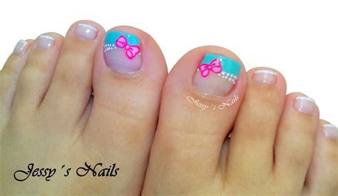 Uñas decoradas para pie principiantes fácil de hacer paso a paso/decoración de uñas pies en negro. Uñas pies   Uñas con moños, Uñas decoradas niñas
