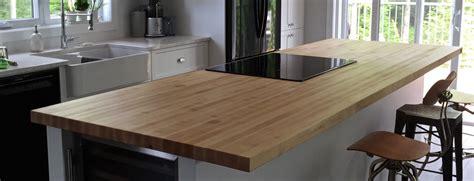 table comptoir bloc de boucher et ilôt en bois massif