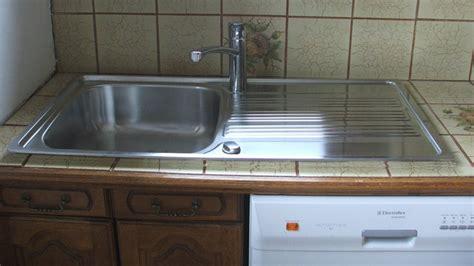 changer le plan de travail d une cuisine remplacer et poser un évier en inox