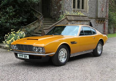 Roger Moore's Aston Martin Dbs Sold For 0k [video