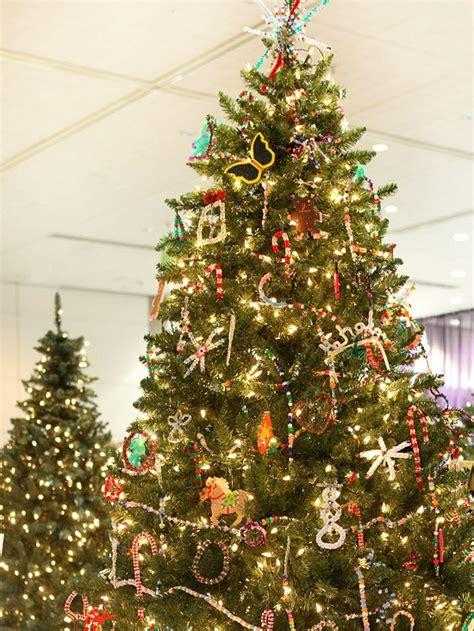 weihnachtsbaum dekoration sind sie f 252 r neue deko ideen