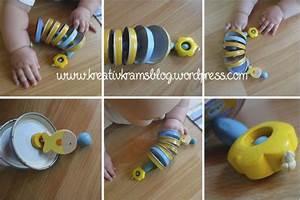 Spielzeug Für Babys : diy babyspielzeug deckelschlange baby spielzeug basteln ~ Watch28wear.com Haus und Dekorationen