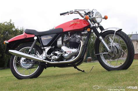 Norton Commando 750