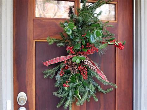 Cheap And Easy Holiday Door Decor