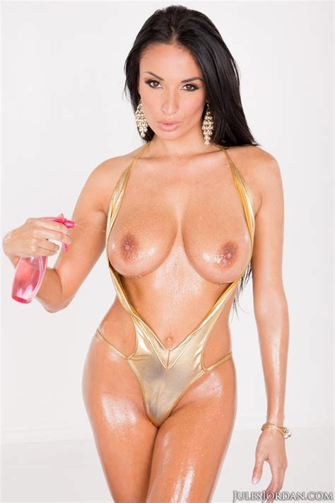 Anissa Kate Oiled And Sexy
