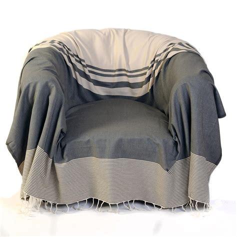 jeté de canapé taupe jeté de canapé et de fauteuil tanger taupe fouta futée