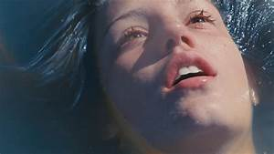 'Blue Is the Warmest Color' Trailer - YouTube