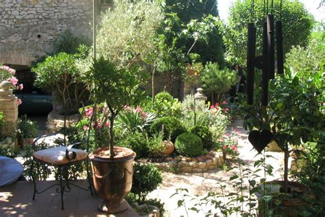 awesome front courtyard garden ideas  modern house