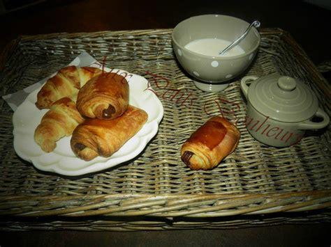 croissants et petits pains au chocolat l atelier cuisine de sylvie