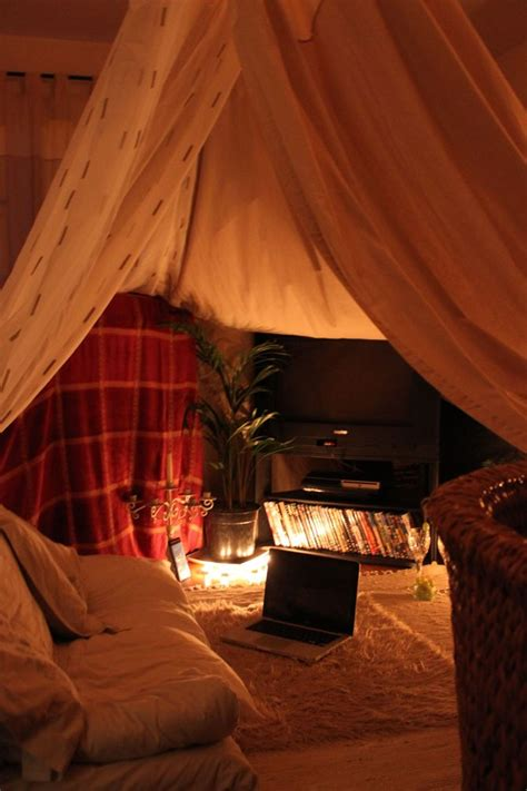 Ultimate Living Room Fort by 21 Cozy Sanctuaries To Shelter You From Adulthood