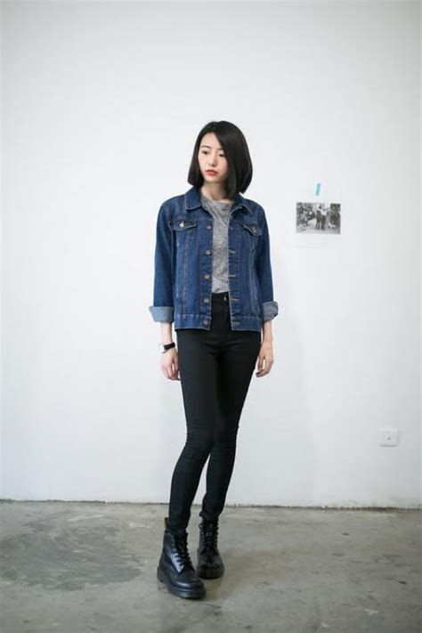Womenu0026#39;s Denim Jacket Style | Famous Outfits - Women