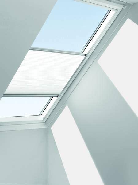 Dekorativ Und Praktisch Plissees Und Rollos Fuer Dachfenster by Dachfenster Technik Dekofactory