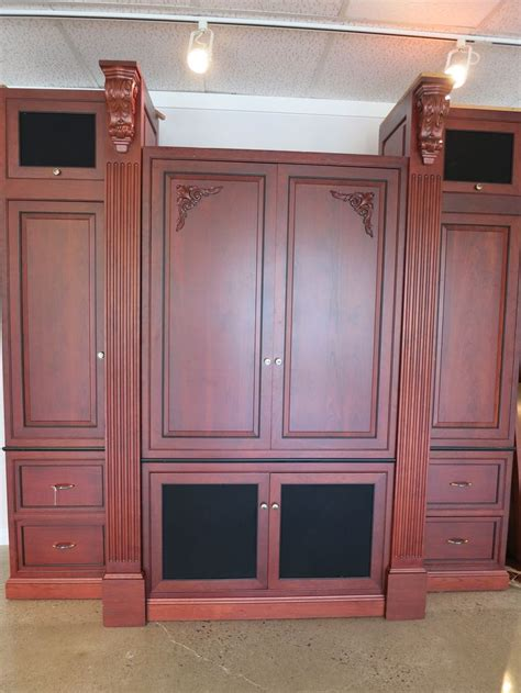 pre owned kitchen cabinets for 23 best images about pre owned luxury marketplace on 9171