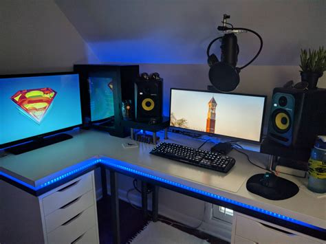 Those are all what my custom ikea desk is made of. Custom IKEA Desk Now That I'm Back At College | Habitación ...