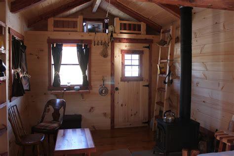 trophy amish cabins llc    hunter  sf standard  porch loft
