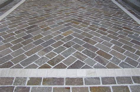 pavimentazione cortile esterno pavimentazione in porfido a brogliano