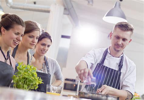 prendre des cours de cuisine prendre des cours de cuisine gratuit 10 idées