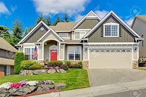 Porche Entrée Maison : maison gris ext rieur avec porche d 39 entr e et la porte ~ Premium-room.com Idées de Décoration