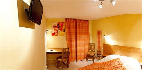 la chambre jaune la chambre jaune hotel les alpins