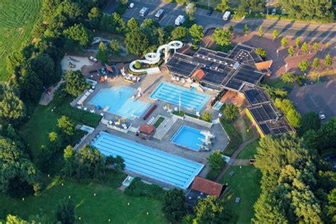 bilder zum thema schwimmbad