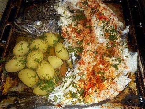 origan en cuisine recette de merlu à l espagnole