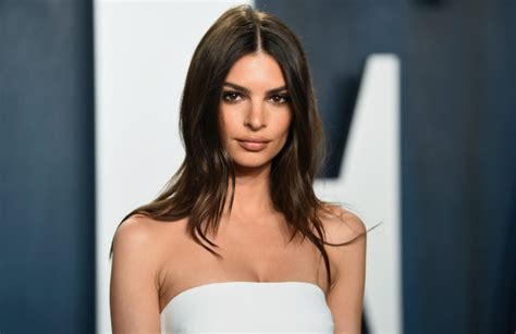 Emily Ratajkowski Is Pregnant With Her First Child: See ...