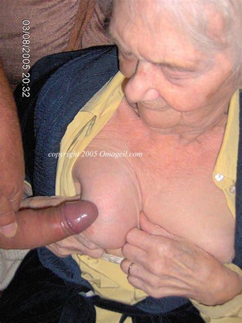 senior schlampen nackt