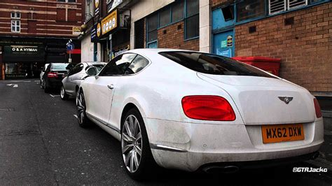 White Bentley Continental Gt V8