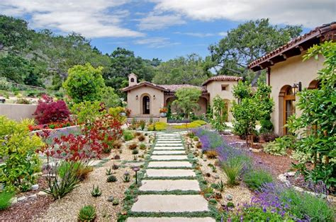 18 Cultivated Mediterranean Landscape Designs That Will