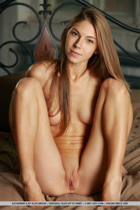 Beautiful Dutch Teen Exposes Her Swollen Cl Xxx Dessert