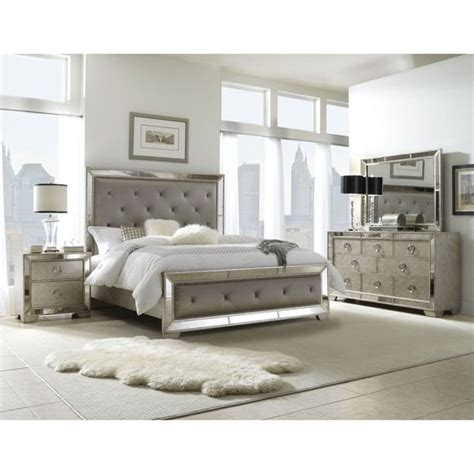 Mirrored Bedroom Sets by 25 Best Ideas About Mirrored Bedroom Furniture On
