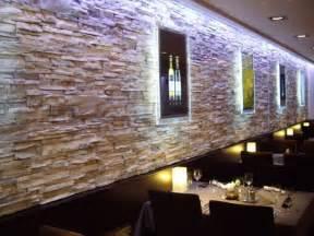 steinwand esszimmer die besten 17 ideen zu steinwand wohnzimmer auf falsche felswänden steinwand und