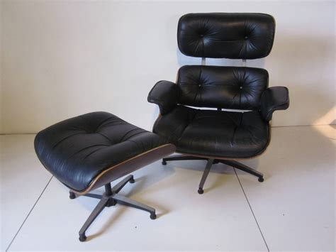 plycraft rosewood and leather eames styled lounge chair at