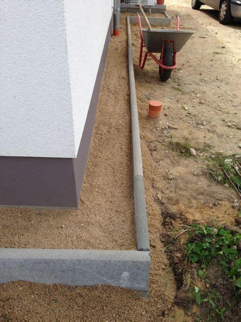 Wieviel Steine Für Garage by Mit Sand Gef 252 Llter Kiesstreifen Und Rasenkanten Garten