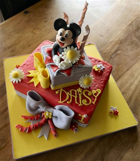 Pin by Abby Parris on Mr. Braelyn Knox | Mouse cake ...