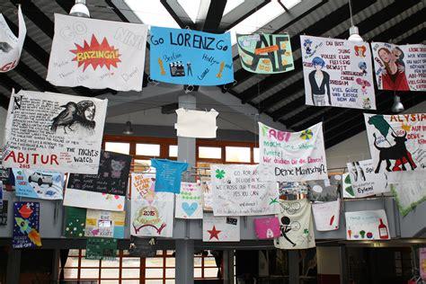kreative plakate schmuecken die schule claus von
