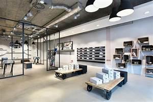 Industrial Style Shop : what shop design can look like sneakstar in flensburg ixtenso magazine for retailers ~ Frokenaadalensverden.com Haus und Dekorationen
