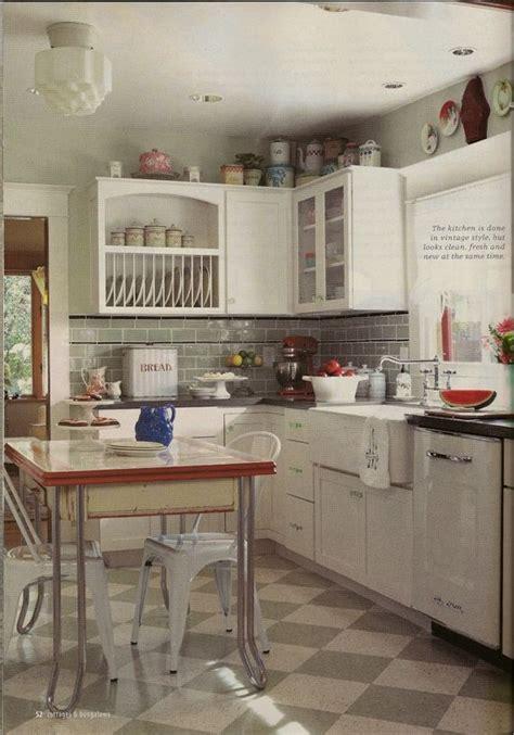 white kitchen backsplash 1033 best the vintage kitchen images on 1033