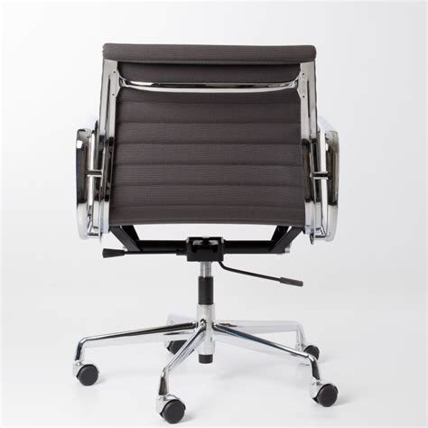chaise bureau eames chaise de bureau eames chaise de bureau eames the vitra ea 108 aluminium chair is one of the
