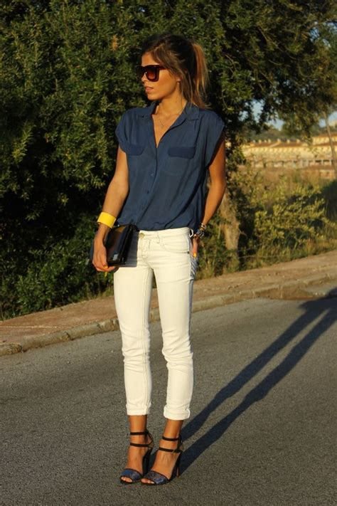 How to Style Your Skinny Jeans | Pants White jeans and Navy blue tops