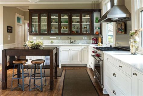 Kitchen Storage Ideas For Small Spaces Cork Kitchen Floors Glass For Backsplash Cabinet Colors With Stainless Steel Appliances Two Color Cabinets Pictures Area Rugs Floor Small Countertop Decorations How To Replace