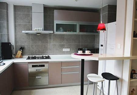 id馥 deco cuisine idée décoration cuisine taupe