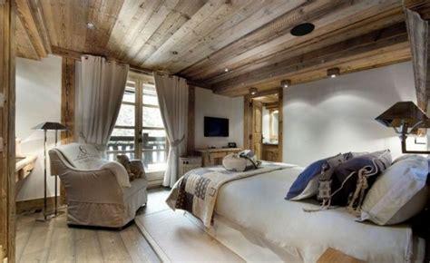 Chalet Edelweiss Bringing New Standard Luxury Courchevel by Holzdecke Schlafzimmer Stuhl Baumwolle Polsterung Neutral